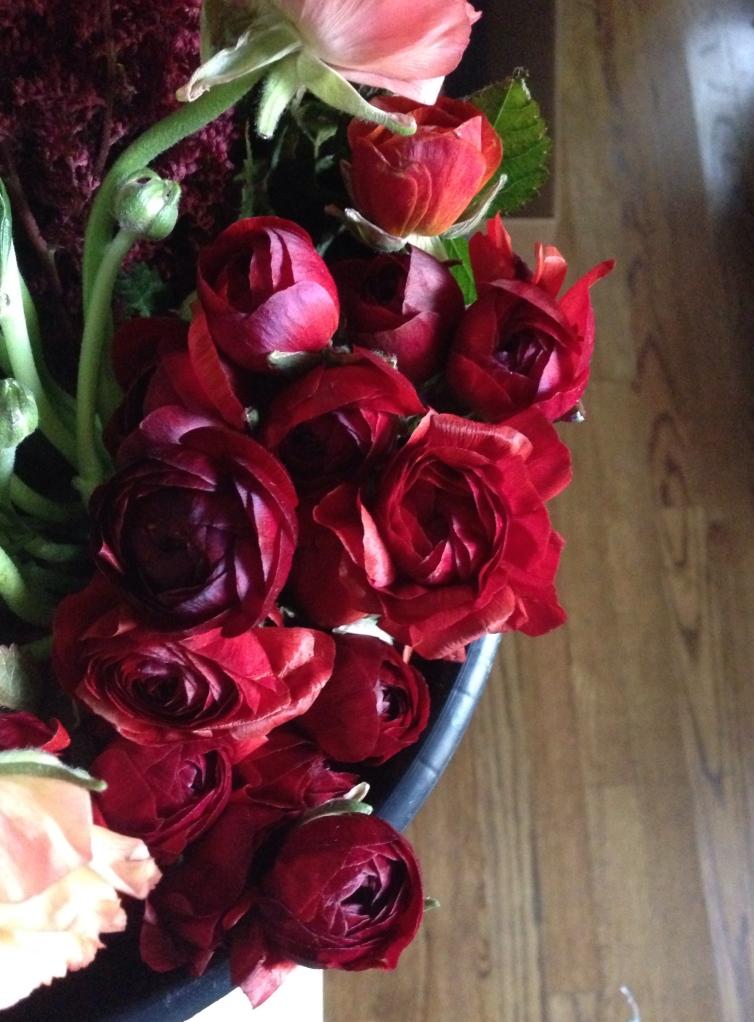 Red-wedding-flower-bouquet-romantic-classic-fall-Amanda-Burnette