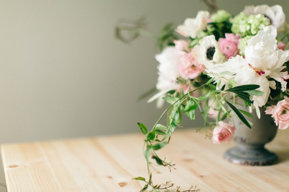 Romantic Classic Flowers_Amanda Burnette_Glamorous Wedding_Nikki Santerre Photography_ Richmond Florist_0004.jpg