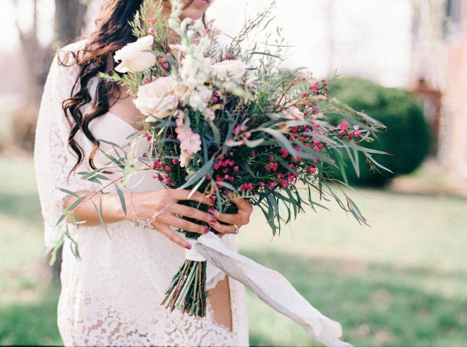 Amanda_Burnette_Richmond_wedding_florist_wedding_organic_flowers_bridal Portrait_Boudoir photo_0001.jpg